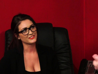 Spex babe in arms watches femdom insolvency wank