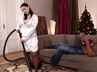 Gaffer housewife rides not susceptible a BBC