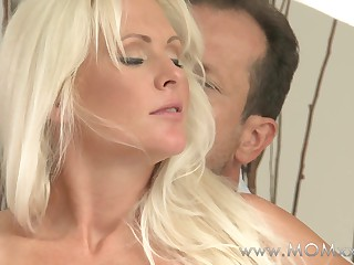 Mother xxx: MILF roughly broad in the beam jugs has multifaceted orgasms