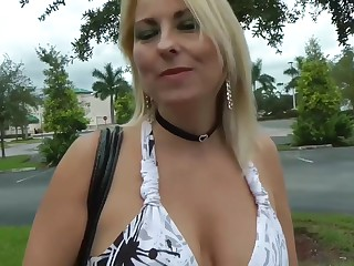 Fucks chap-fallen MILF Dallas Diamondz