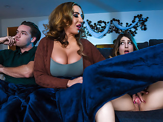 Kristen Scott  Richelle Ryan  Kyle Mason all over Beware Even if Stepmom Joins You - BrazzersNetwork