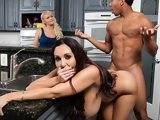Ava Addams  Ricky Johnson not far from A handful of Strict Materfamilias - BrazzersNetwork