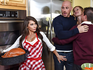 Madison Ivy  Johnny Sins adjacent to Thankful Be proper of Madison - BrazzersNetwork
