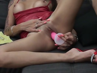 VALERIA CURTIS - Latina plays in all directions the brush dildo