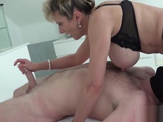 Adulterous british milf pout ellis grants the brush chunky balloons