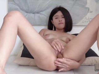 Hot Asian Unfocused Masterbates wide a Dildo & Gets Squirting Trail (Kylie NG)