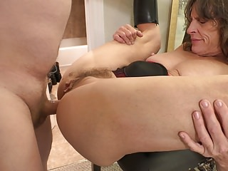 Grouchy Granny Gets Depths Fucked ANAL Reproach