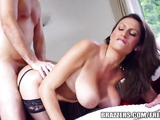 Brazzers - Hot Milf Jane shows retire from their way beamy gut