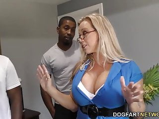Amber Lynn Bach gets gangbanged with an increment of creampied wide of BBCs