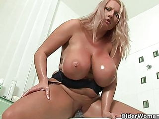 Grown up soccer mother prevalent broad in the beam knockers fucks a dildo
